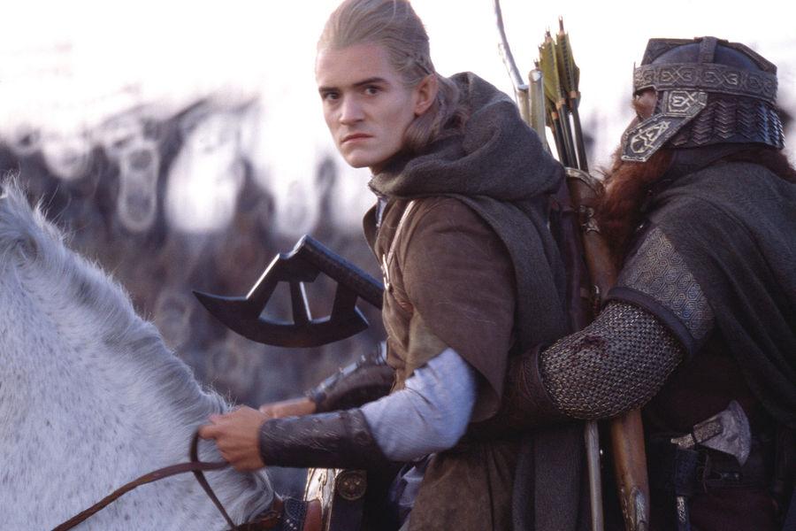 Легалас и Гимли вынуждены ехать на одном коне.